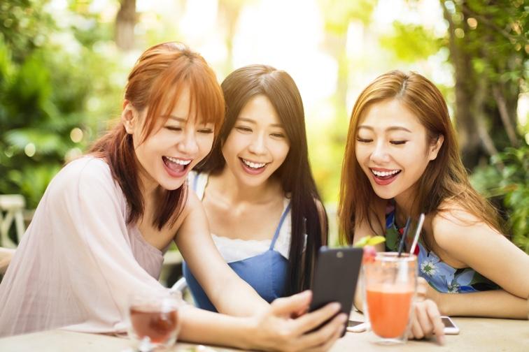 """◆ 広告において""""口コミ""""が現代の流行。だからこそ高い訴求力を持つ「モニターモデル」の需要が高まる"""